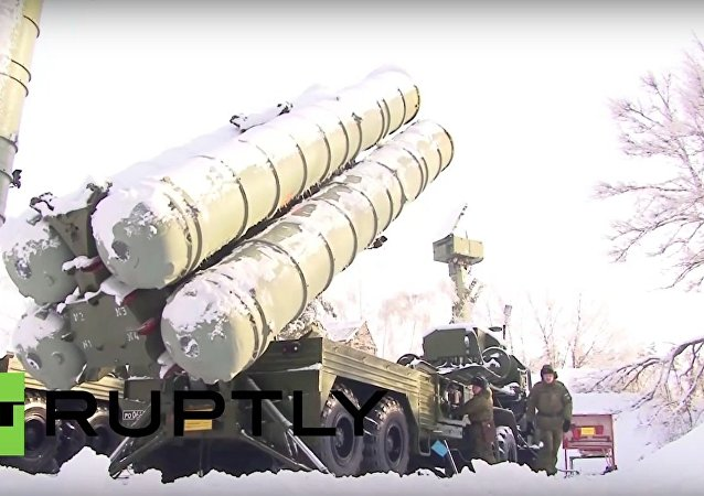 Russian troops fight off mock ambush on S-300-PM missile column
