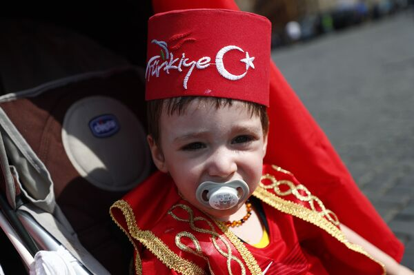 Soccer Football - Euro 2020 - Group A - Turkey v Italy - Rome, Italy - June 11, 2021 A young Turkey fan in Rome before the match. - Sputnik Srbija