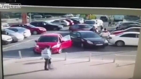 Car Park Rage With An Unexpected Finish - Sputnik Србија