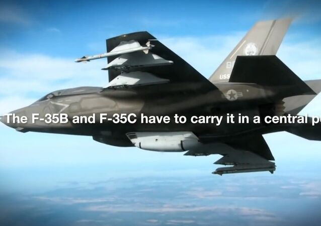 The first aerial test of the F-35 gatling gun