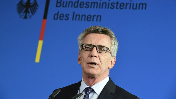 German Interior Minister Thomas de Maiziere gives a press conference on September 13, 2016 in Berlin - Sputnik Србија