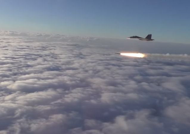 Kad zagrme rakete sa Su-30 (video)