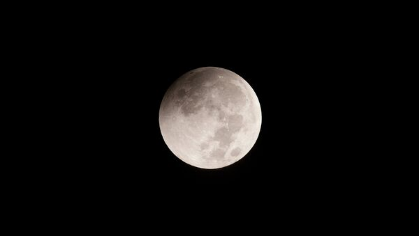 Moon-SeriesThese were taken with a Canon EOS700D at iso100, attached to a Takahashi TSQ106ED (106mm refractor) with 0.73 reducer, giving a focal length of 387mm. - Sputnik Srbija
