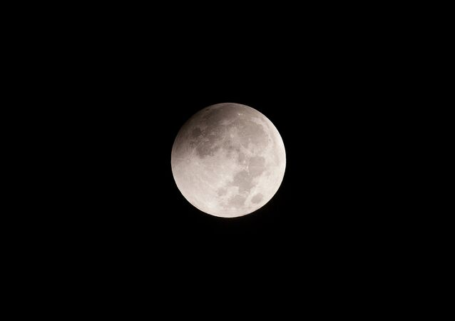 Moon-SeriesThese were taken with a Canon EOS700D at iso100, attached to a Takahashi TSQ106ED (106mm refractor) with 0.73 reducer, giving a focal length of 387mm.